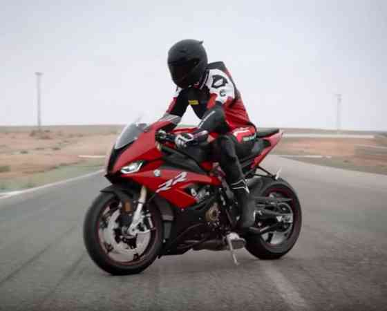 IN THE SPOTLIGHT: The new BMW S 1000 RR