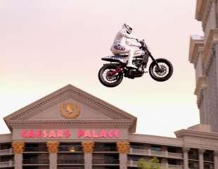 Travis Pastrana kao Evel Knievel